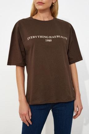 TRENDYOLMİLLA Kahverengi Baskılı Loose Kalıp Örme T-shirt TWOSS19GH0034 3