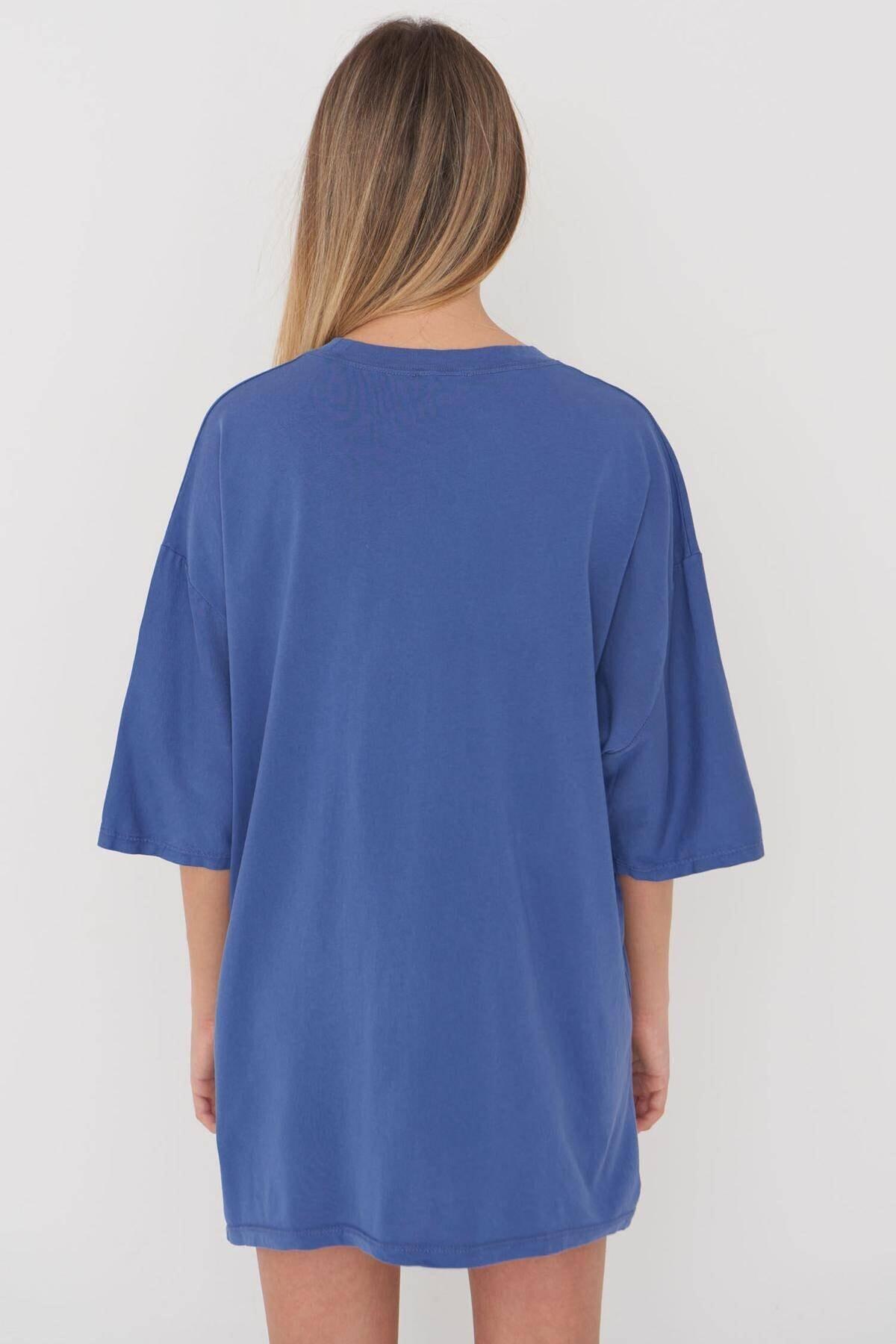 Addax Kadın İndigo Baskılı Oversize T-Shirt P9546 - B5 Adx-0000023996