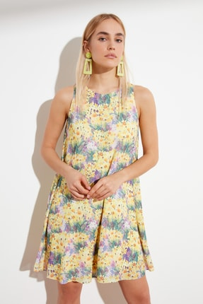 TRENDYOLMİLLA Lila Desenli Geniş Kesim Elbise TWOSS19BB0215 0