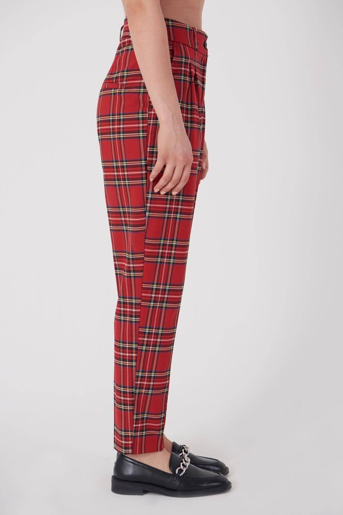 Addax Kadın Kırmızı Ekoseli Pantolon PN21-0222 - X6 ADX-0000023709 1