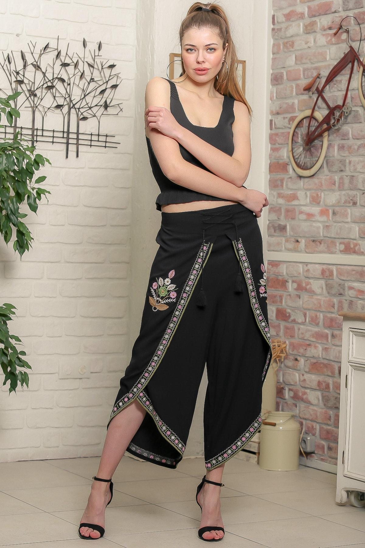 Chiccy Kadın Siyah Çiçek Nakışlı Bağlama İp Detaylı Zarf Pantolon M10060000PN98939 2