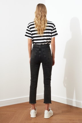 TRENDYOLMİLLA Siyah Renk Bloklu Yüksek Bel Slim Fit Jeans TWOAW21JE0017 4