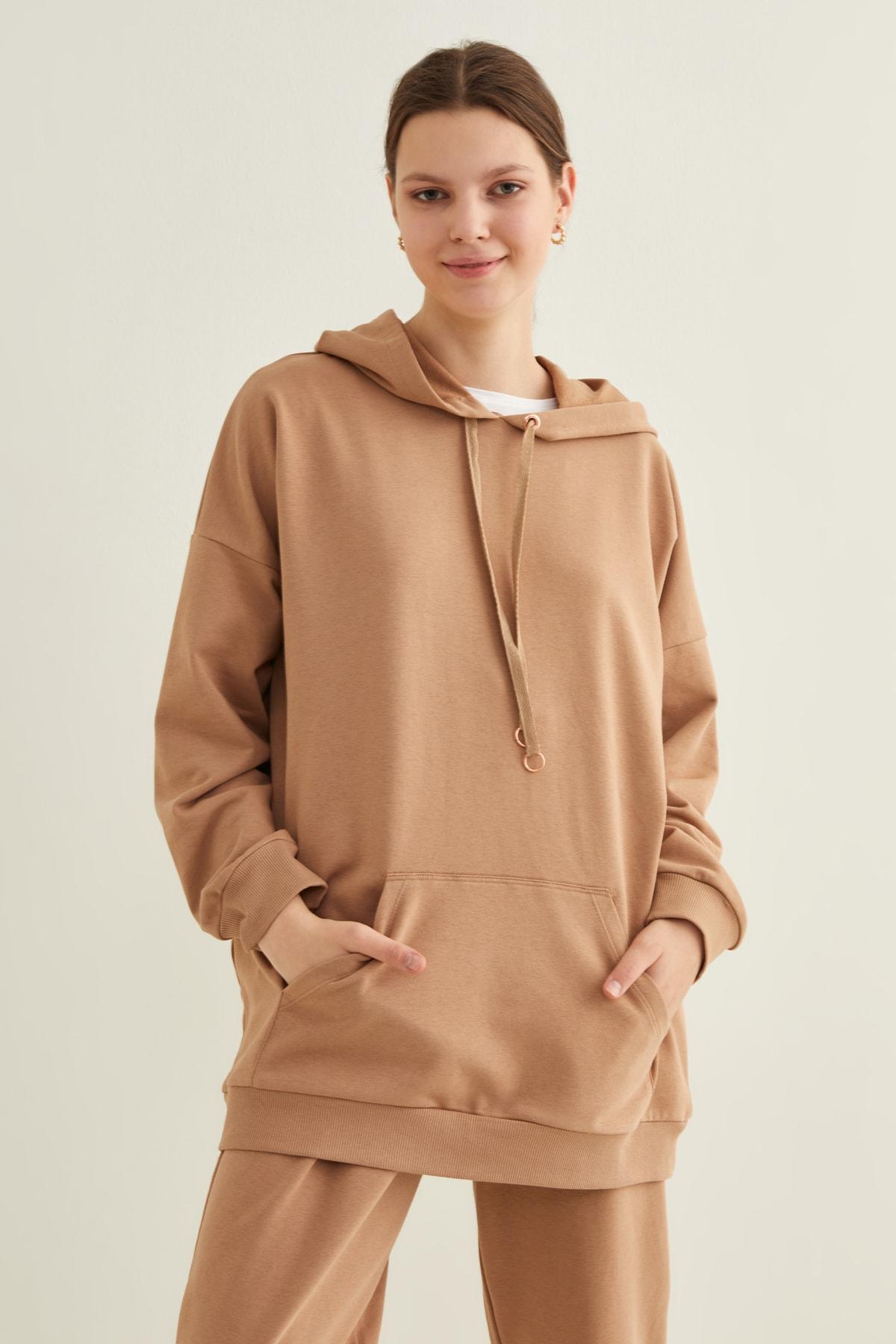 Kadın Camel Cepli Kapüşonlu Örme Swetshirt