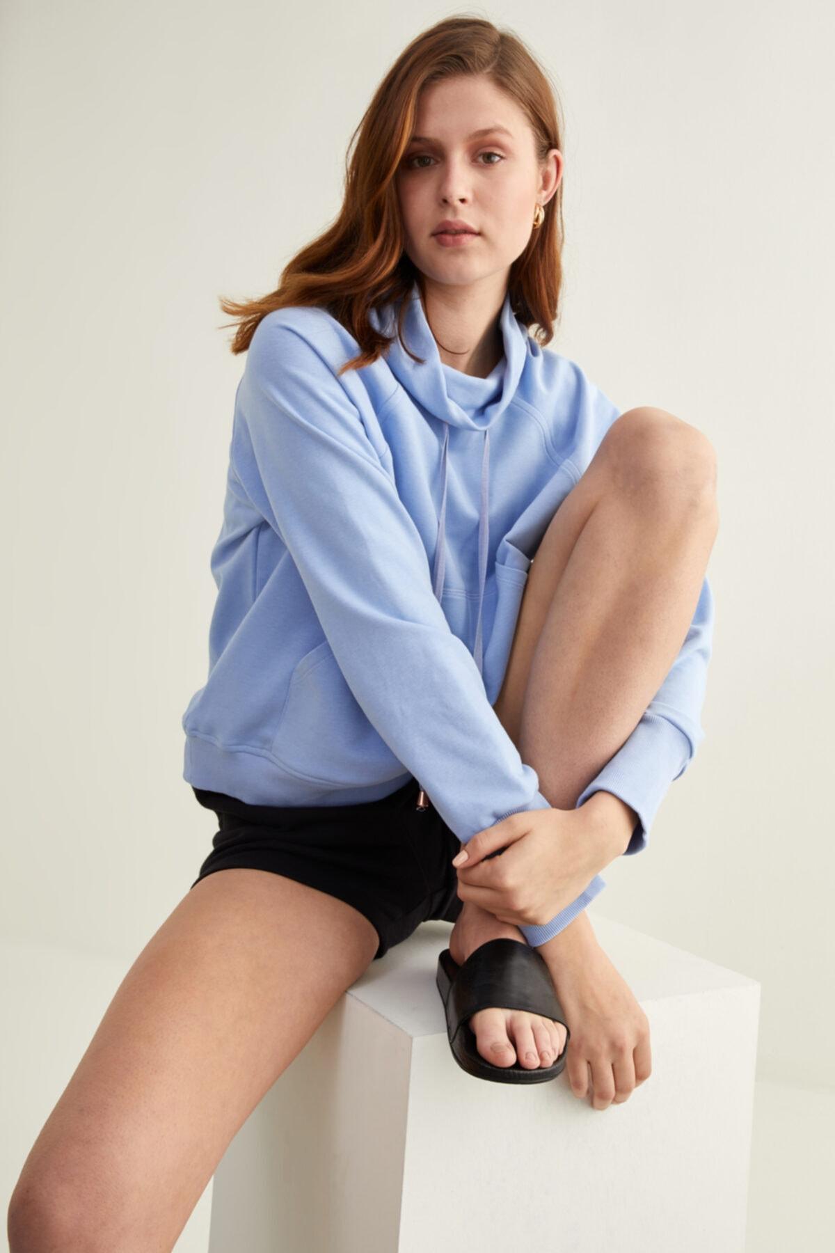 Kadın Mavi Bato Yaka Sweatshirt