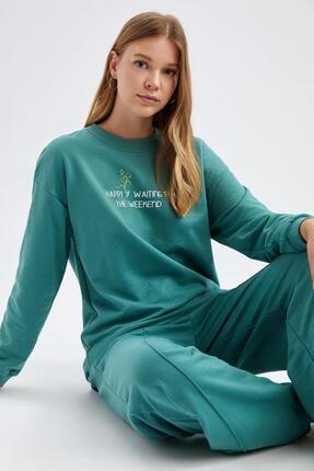Defacto Modest Yazı Baskılı Relax Fit Sweatshirt 4