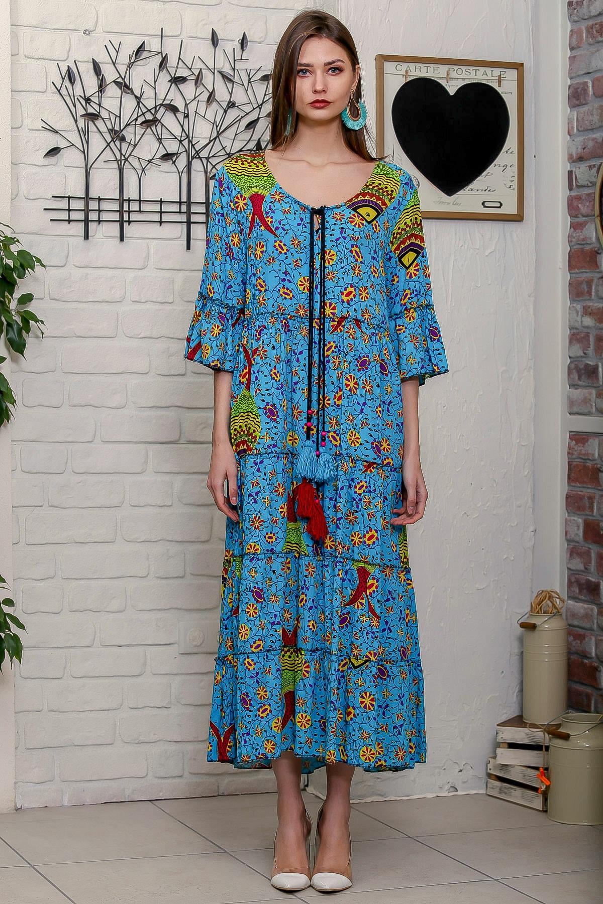 Chiccy Kadın Mavi Çini Balık Desenli Püskül Bağcıklı Kat Kat Salaş Uzun Elbise 3