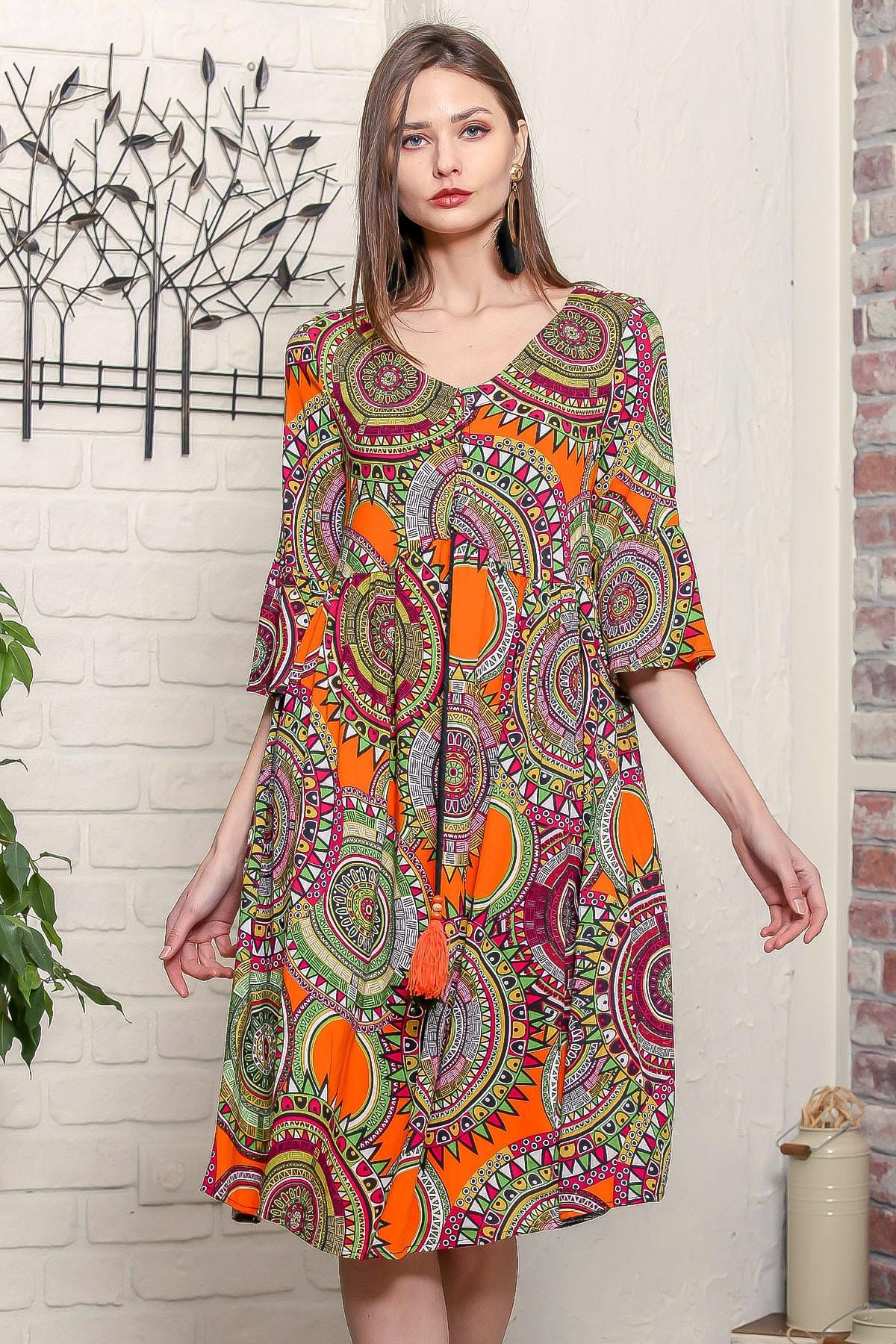 Chiccy Kadın Turuncu Geometrik Desen Kolları Volanlı Robadan Büzgülü Püsküllü Bağcıklı Salaş Dokuma Elbise 0