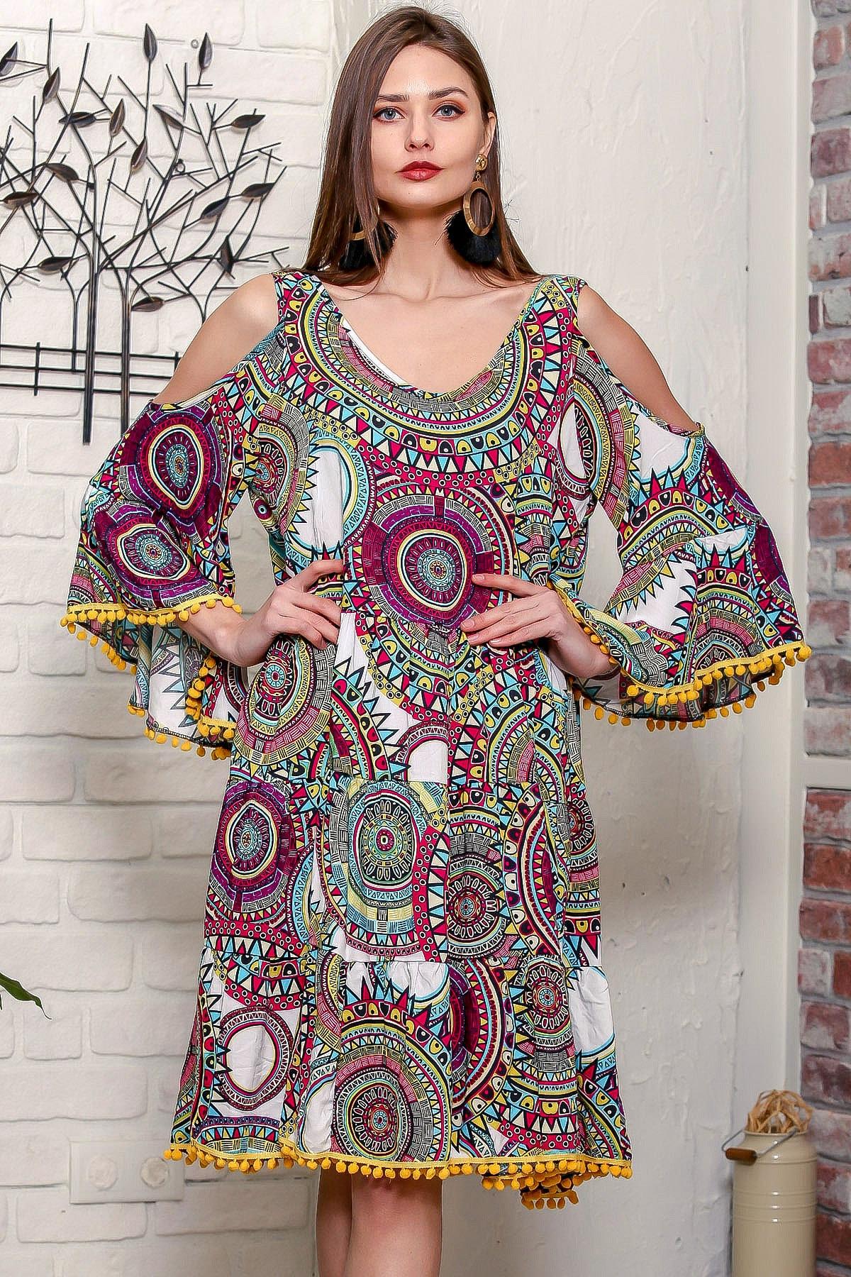 Chiccy Kadın Yeşil Omuzları Pencereli Geometrik Desen Kolları Volanlı Ponponlu Salaş Elbise 1