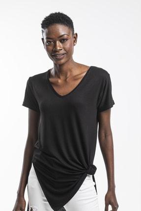 The Base Kadın Siyah V Yaka Yarım Kol Yırtmaçlı Basic Salaş TShirt 3