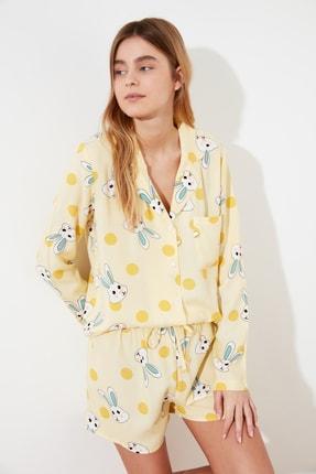 TRENDYOLMİLLA Sarı Tavşan Baskılı Dokuma Pijama Takımı THMSS21PT0302 0