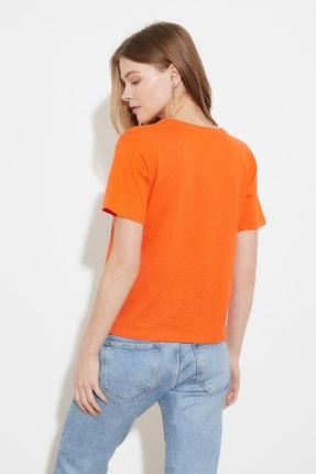 TRENDYOLMİLLA Turuncu Semi-Fitted Baskılı Örme T-Shirt TWOSS20TS0572 4