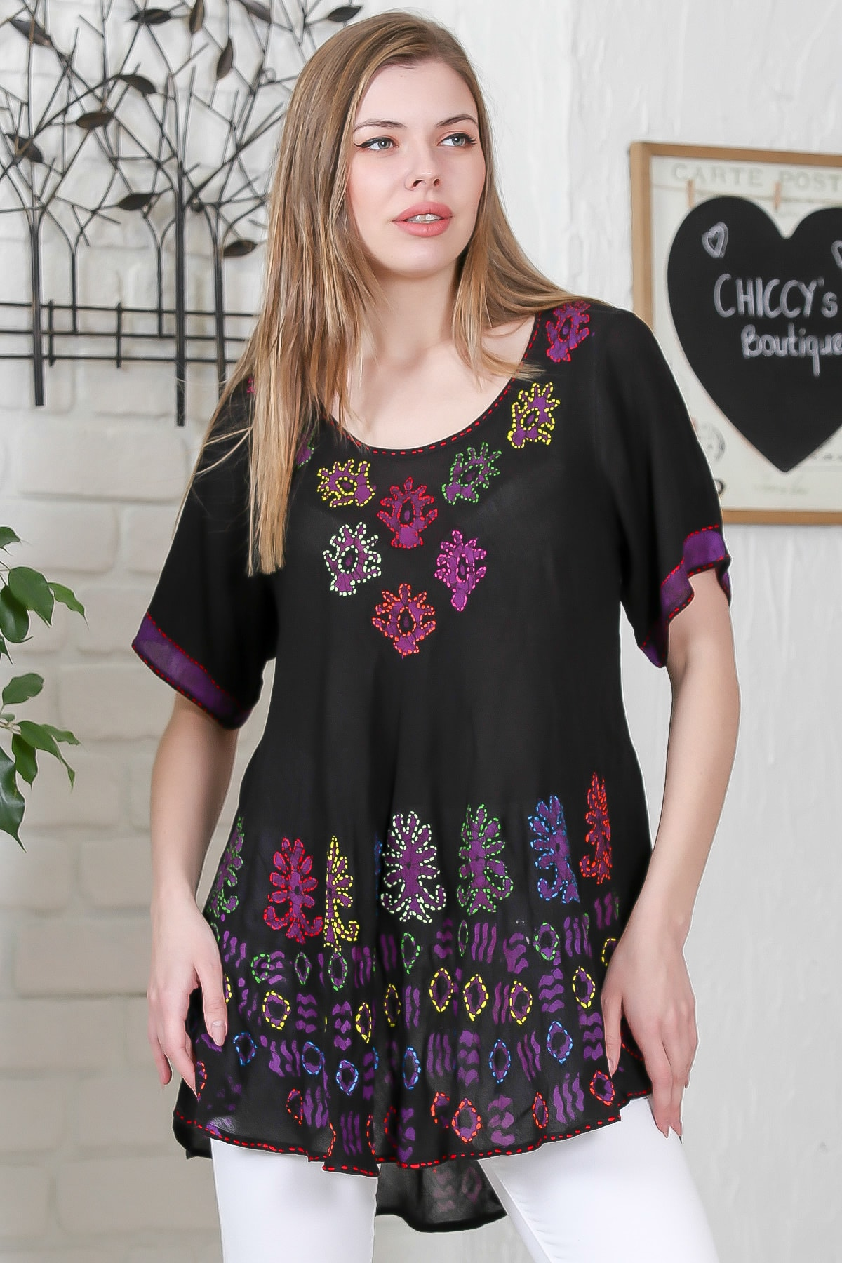 Chiccy Kadın Siyah Çiçek Baskılı Nakış Dikişli Kısa Kol Batik Salaş Dokuma Bluz M10010200BL95495 0