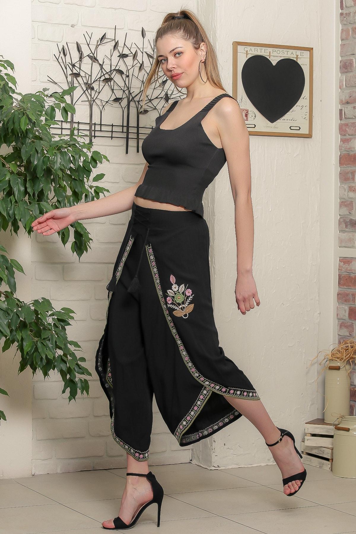 Chiccy Kadın Siyah Çiçek Nakışlı Bağlama İp Detaylı Zarf Pantolon M10060000PN98939 3