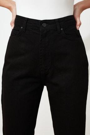 TRENDYOLMİLLA Siyah Yüksek Bel Mom Jeans TWOAW20JE0129 2