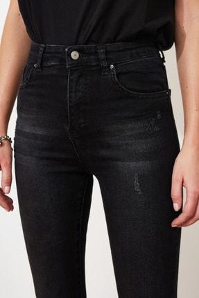 TRENDYOLMİLLA Siyah Yırtık Detaylı Yüksek Bel Skinny Jeans TWOSS20JE0299 2