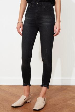 TRENDYOLMİLLA Siyah Yırtık Detaylı Yüksek Bel Skinny Jeans TWOSS20JE0299 4