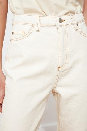 TRENDYOLMİLLA Ekru Yüksek Bel Mom Jeans TWOSS20JE0200 1