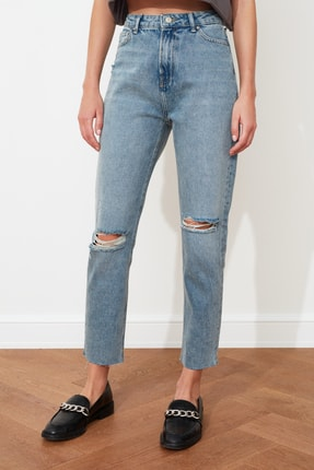 TRENDYOLMİLLA Mavi Yırtık Detaylı Yüksek Bel Mom  Jeans TWOSS20JE0353 3