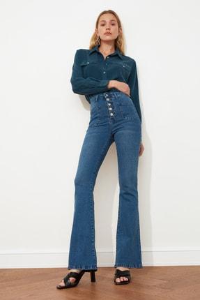 TRENDYOLMİLLA Mavi Cep Detaylı Önden Düğmeli Yüksek Bel Flare Jeans TWOAW21JE0111 2