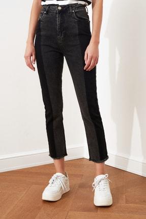 TRENDYOLMİLLA Siyah Renk Bloklu Yüksek Bel Slim Fit Jeans TWOAW21JE0017 3