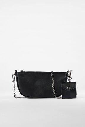Bershka Kadın Siyah Kılıf Detaylı Zincirli Askılı Mini Çanta 1