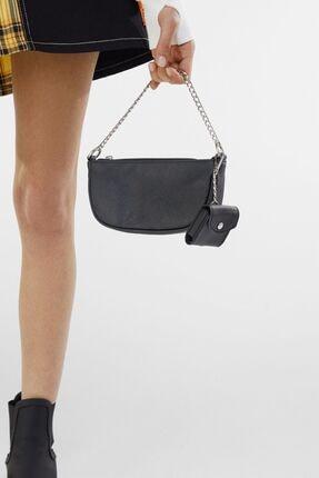Bershka Kadın Siyah Kılıf Detaylı Zincirli Askılı Mini Çanta 4