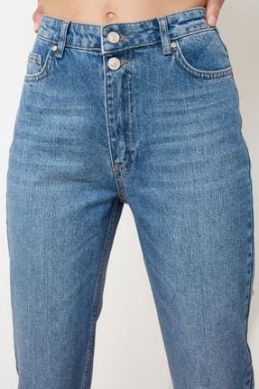 TRENDYOLMİLLA Mavi Çift Düğmeli Yüksek Bel Mom Jeans TWOSS21JE0153 2