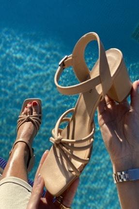 İnan Ayakkabı Küt Burun 4 Bant Düğümlü Topuklu Sandalet 3