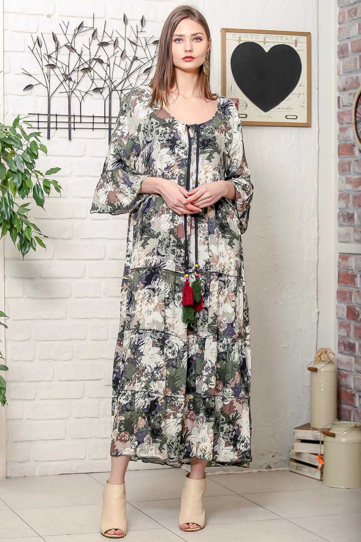 Chiccy Kadın Yeşil Romantik Çiçek Desenli Püskül Bağcıklı Kat Kat Salaş Uzun Elbise 1