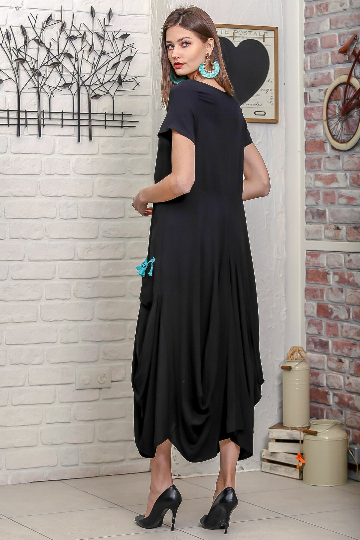 Chiccy Kadın Siyah Ottoman Yelpaze Nakışlı Cepleri Püsküllü Asimetrik Salaş Elbise 4