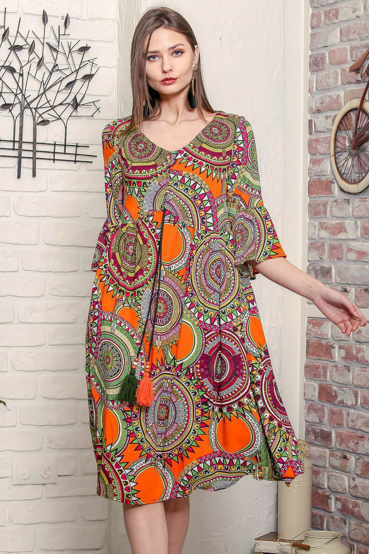 Chiccy Kadın Turuncu Geometrik Desen Kolları Volanlı Robadan Büzgülü Püsküllü Bağcıklı Salaş Dokuma Elbise 1