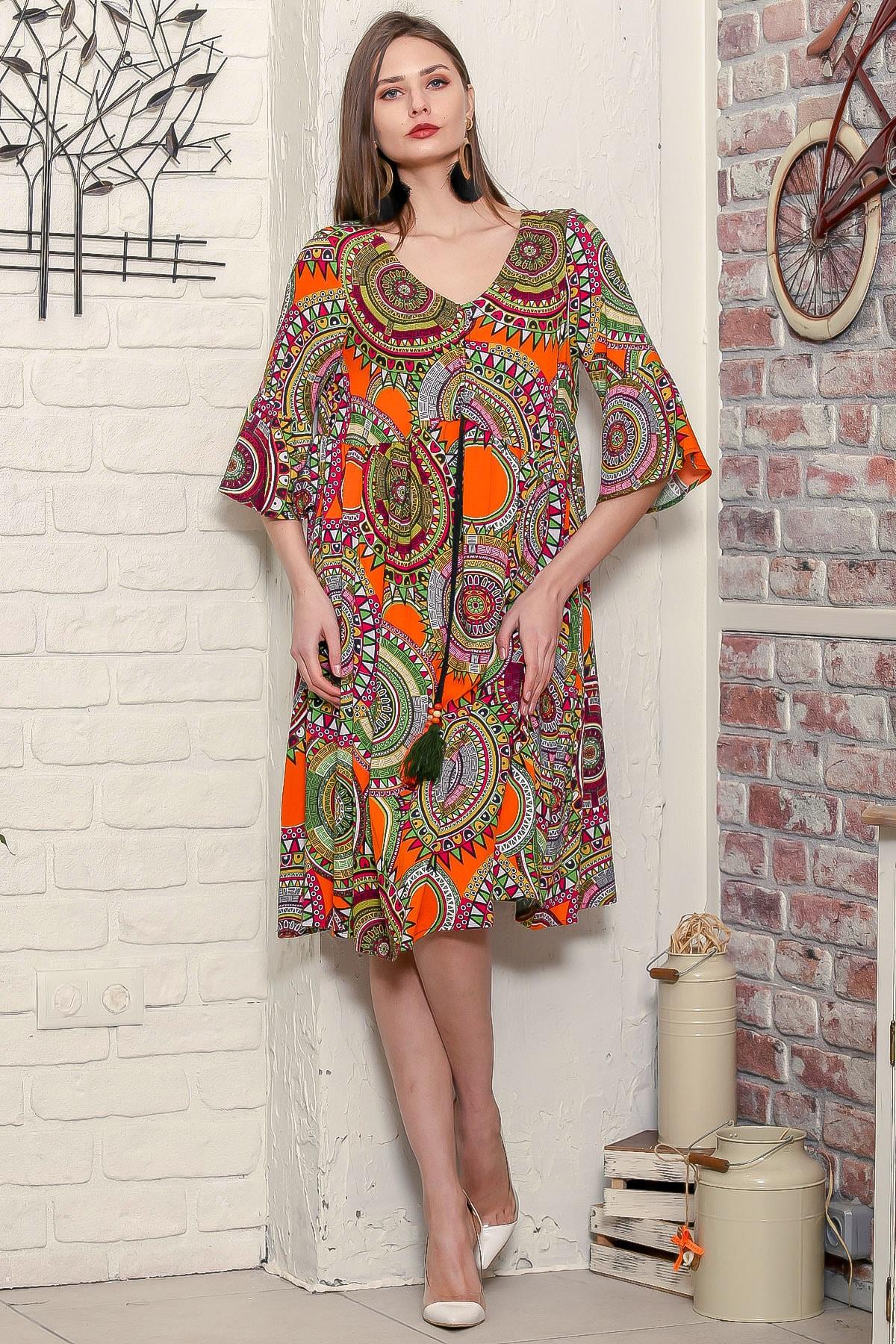 Chiccy Kadın Turuncu Geometrik Desen Kolları Volanlı Robadan Büzgülü Püsküllü Bağcıklı Salaş Dokuma Elbise 2