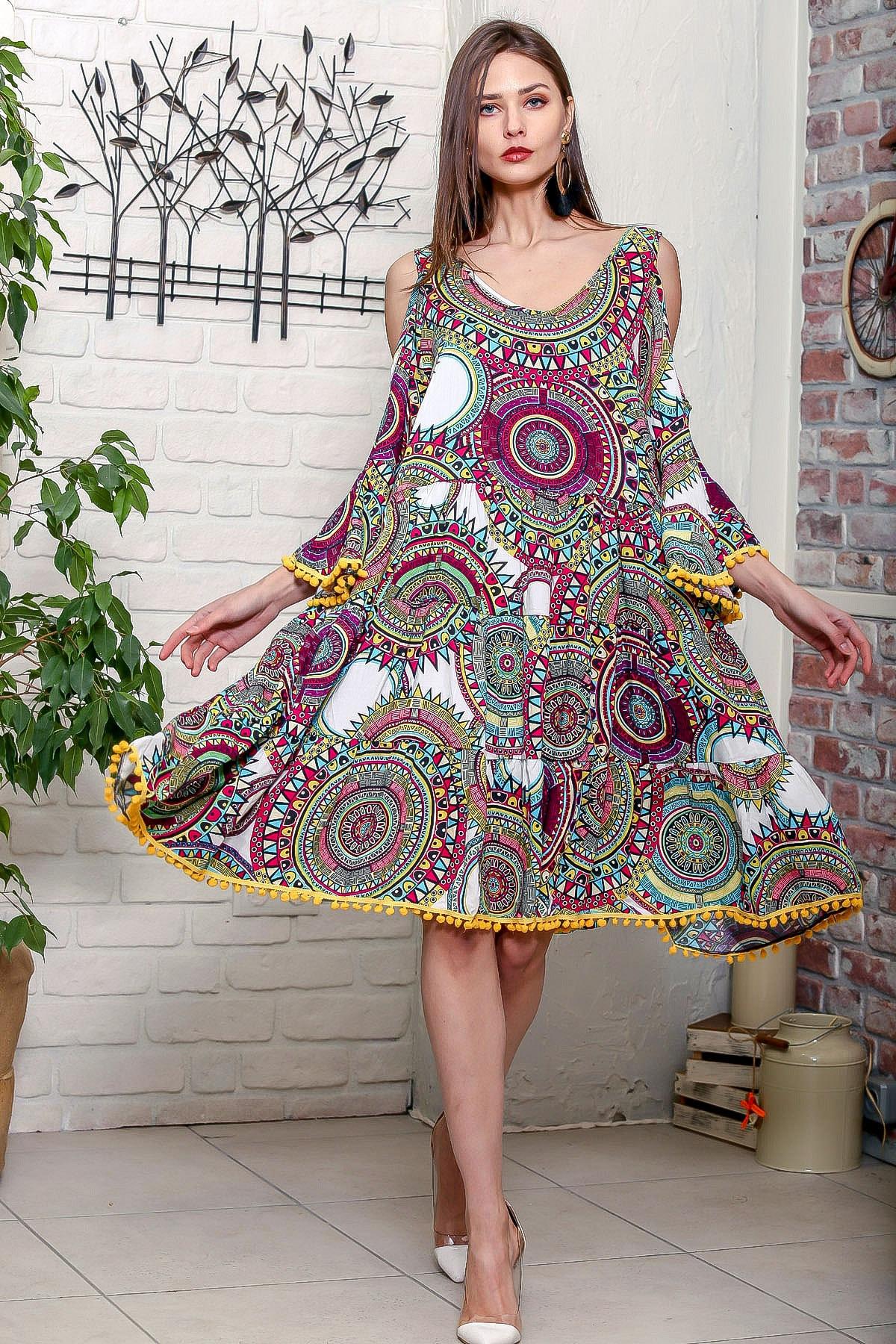 Chiccy Kadın Yeşil Omuzları Pencereli Geometrik Desen Kolları Volanlı Ponponlu Salaş Elbise 2