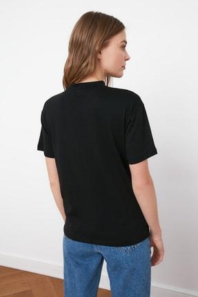 TRENDYOLMİLLA Siyah Dik Yaka Basic Örme T-shirt TWOAW20TS0096 3