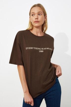 TRENDYOLMİLLA Kahverengi Baskılı Loose Kalıp Örme T-shirt TWOSS19GH0034 2