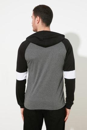 TRENDYOL MAN Antrasit Erkek Kapüşonlu Slim Fit T-Shirt TMNSS20TS0029 4