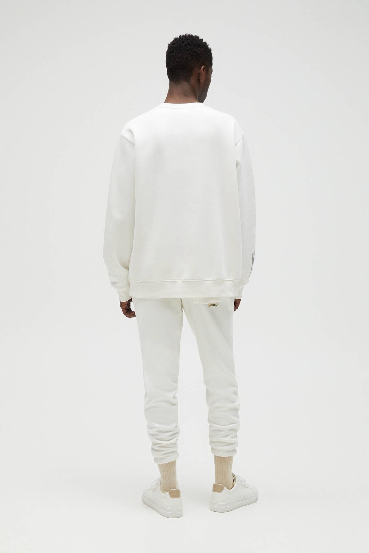 Pull & Bear Erkek Kırık Beyaz Cepli Logo İşlemeli Sweatshirt 04591561 3