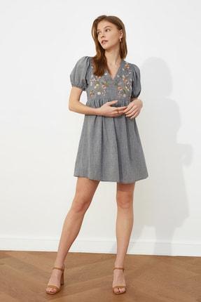 TRENDYOLMİLLA Lacivert Nakışlı Elbise TWOSS21EL0399 0