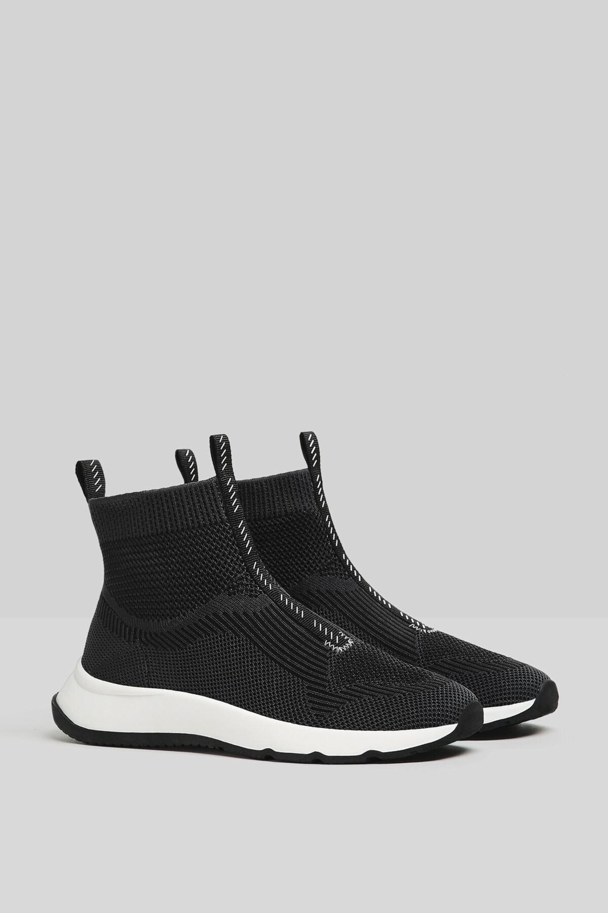 Bershka Kadın Siyah Çorap Model Örgü Yüksek Bilekli Spor Ayakkabı 11510760 2
