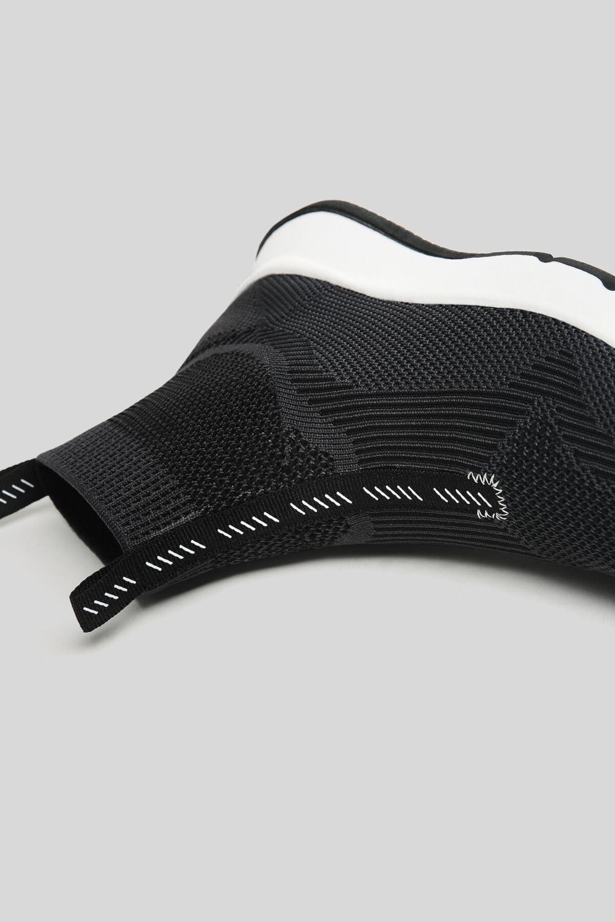 Bershka Kadın Siyah Çorap Model Örgü Yüksek Bilekli Spor Ayakkabı 11510760 4