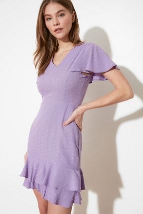 TRENDYOLMİLLA Lila Dokulu Kumaşlı Volanlı Elbise TWOSS21EL1531 1