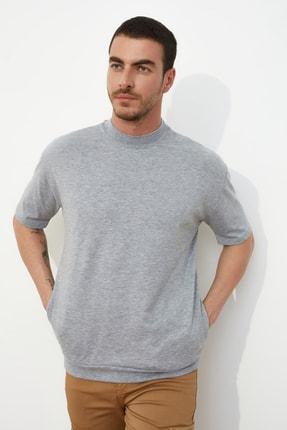 TRENDYOL MAN Gri Erkek Dik Yakalı Regular Fit  T-Shirt TMNSS21TS0207 0