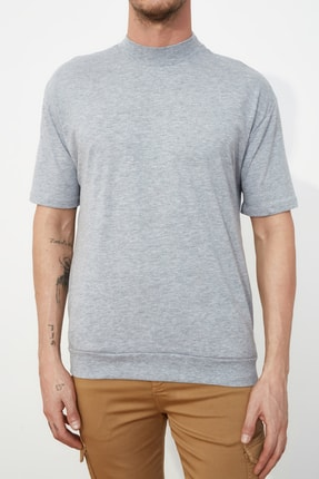 TRENDYOL MAN Gri Erkek Dik Yakalı Regular Fit  T-Shirt TMNSS21TS0207 3