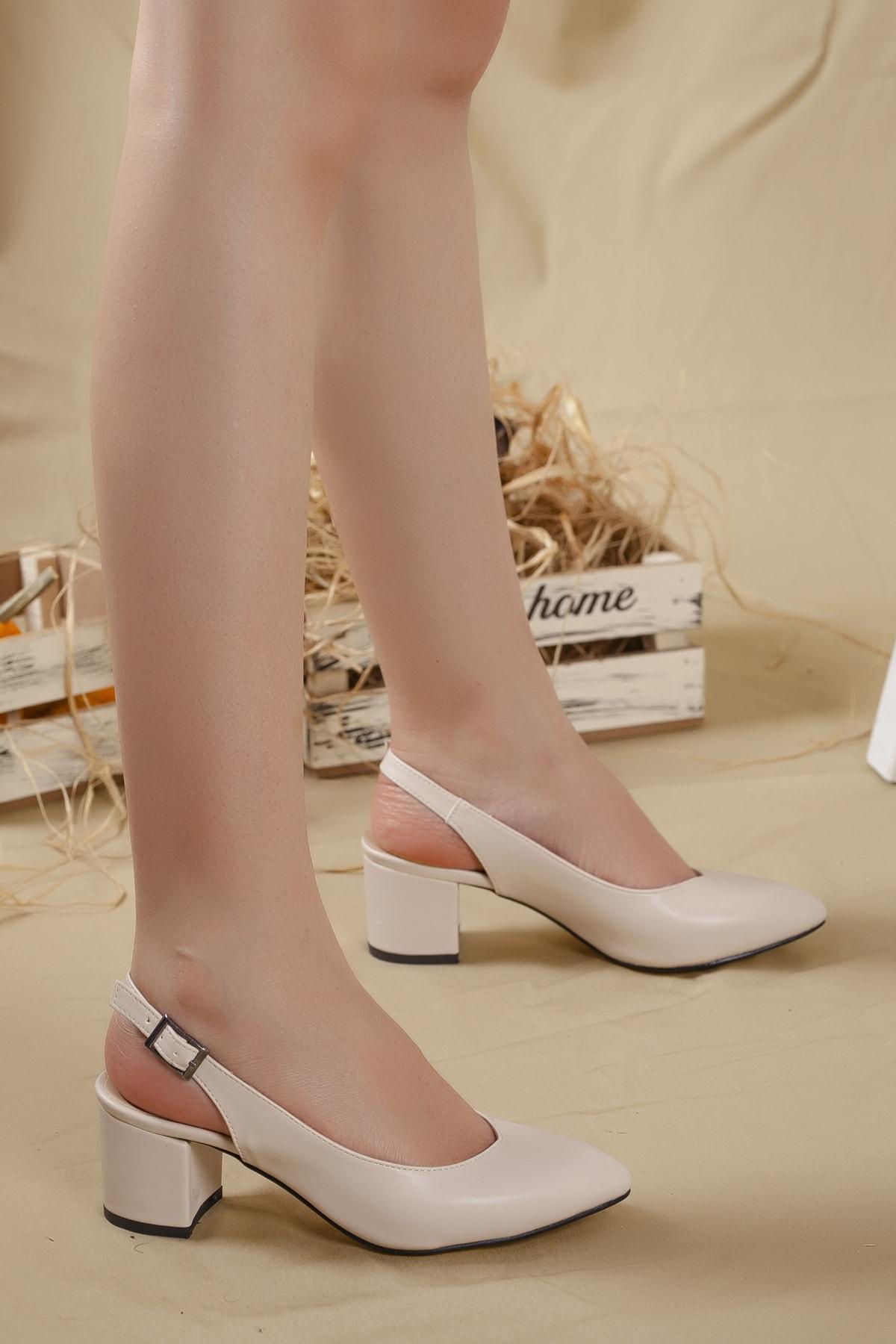 Kadın Krem-cilt Arkası Açık Topuklu Ayakkabı...