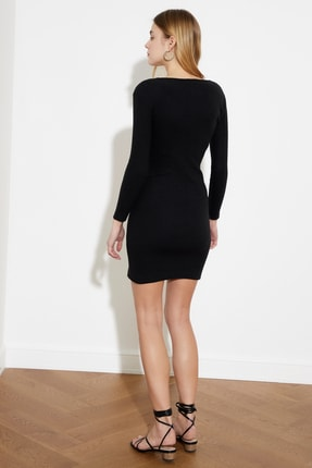 TRENDYOLMİLLA Siyah Kare Yaka Bodycon Örme Elbise TWOAW21EL2241 3