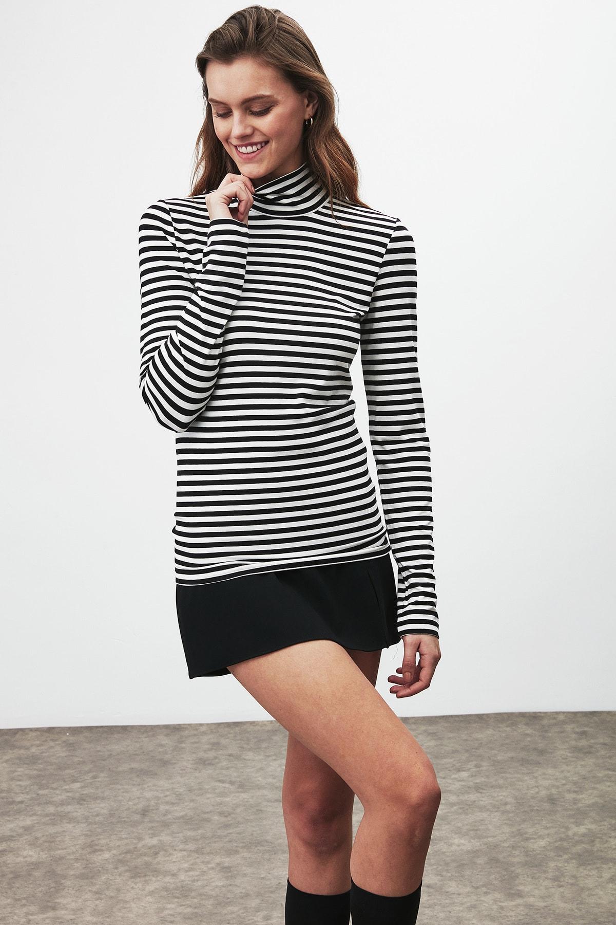 GRIMELANGE CAMILLA Kadın Siyah Beyaz Çizgili Desen Yarım Boğazlı Dar Kesim Bluz 2