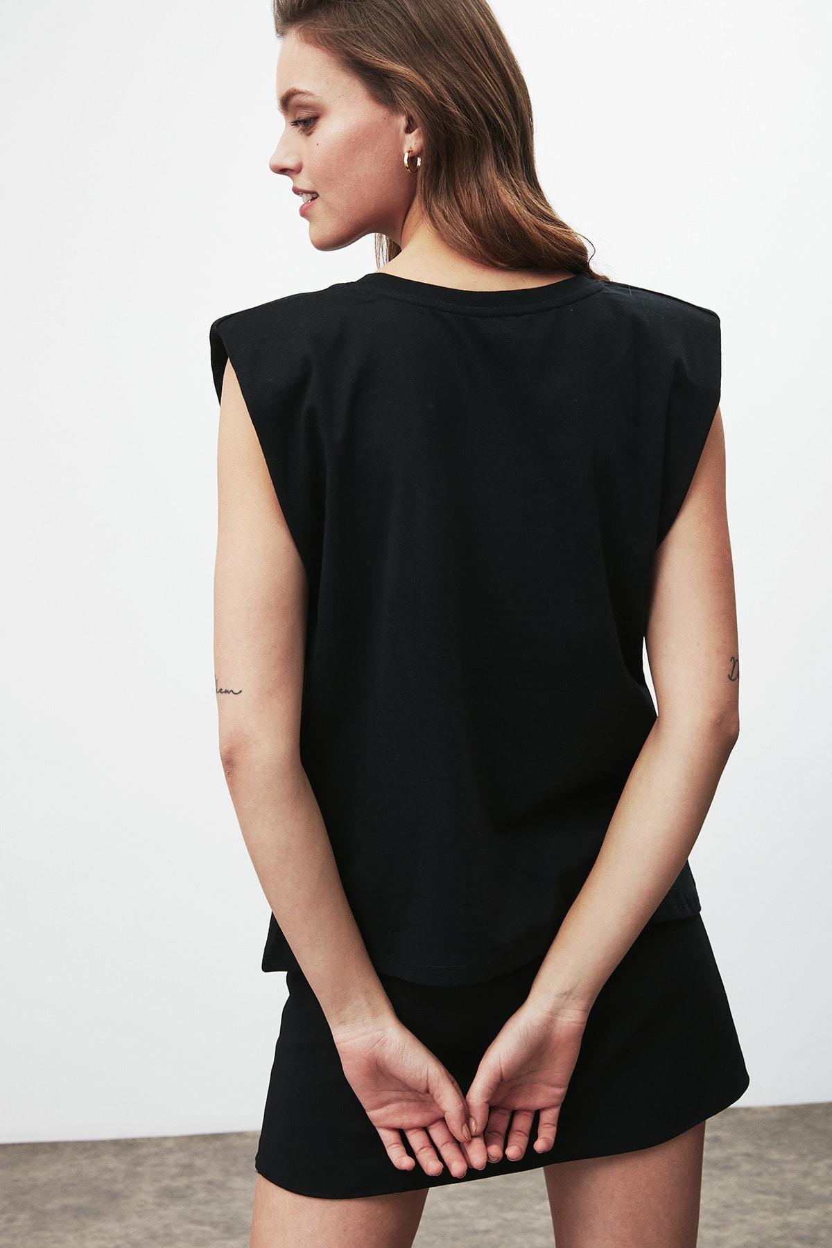 GRIMELANGE Luna Kadın Siyah Omuzları Vatkalı Kolsuz T-shirt 4