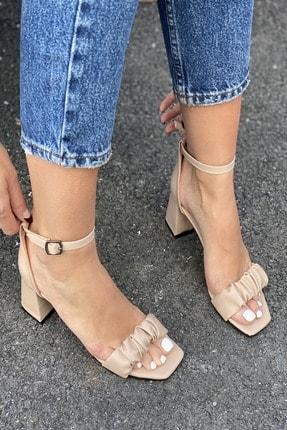İnan Ayakkabı Detaylı Bant Bilekten Tokalı Topuklu Ayakkabı 1