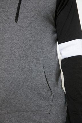 TRENDYOL MAN Antrasit Erkek Kapüşonlu Slim Fit T-Shirt TMNSS20TS0029 3