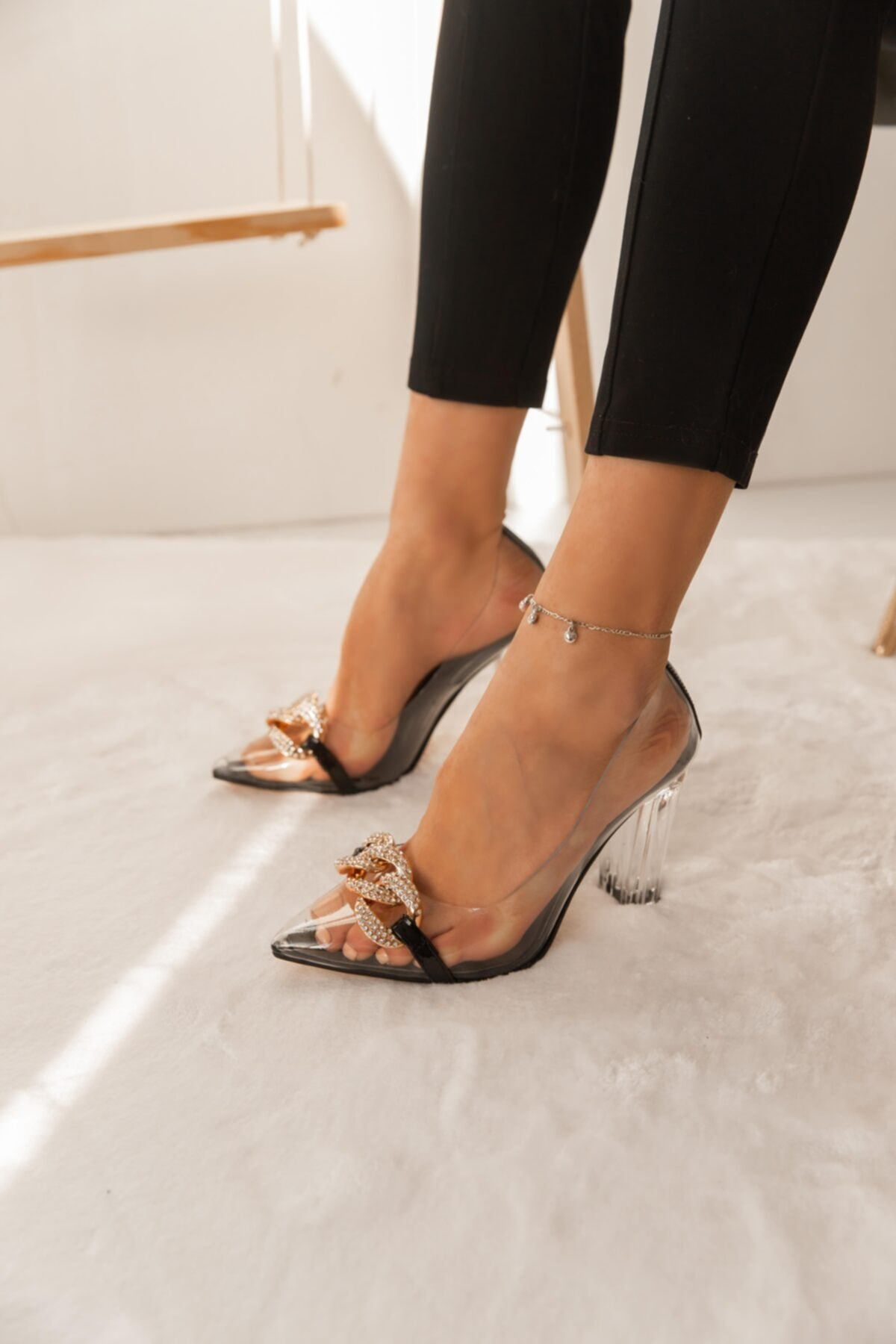 Lima Kadın Siyah Zincirli Topuklu Ayakkabı